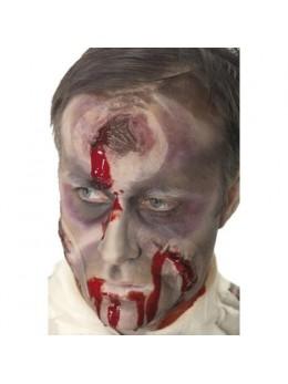 Cicatrice avec trou dans la tête avec sang