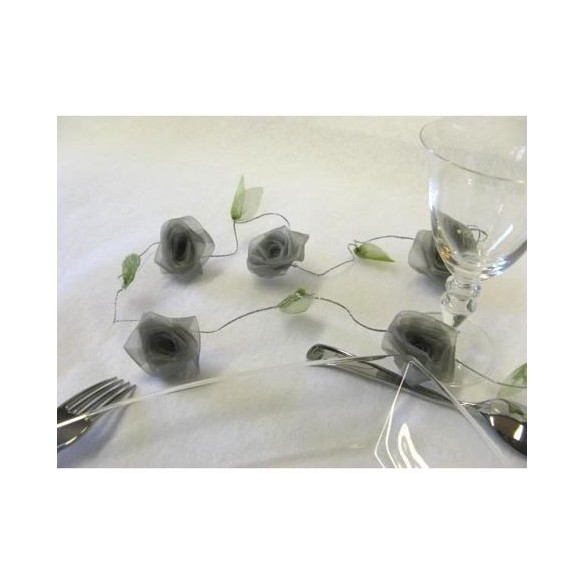 Guirlande de roses gris