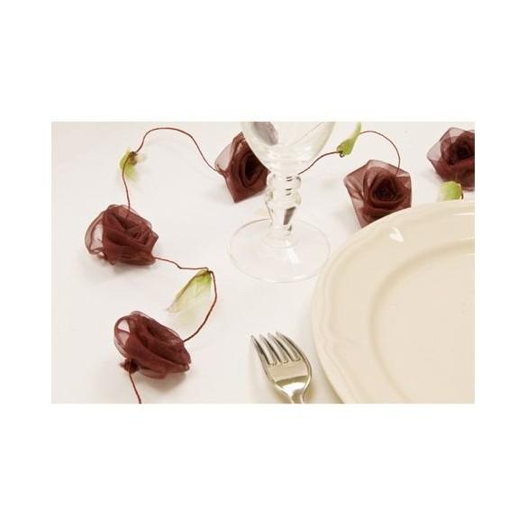 Guirlande de roses bordeaux