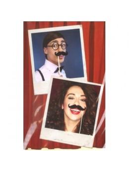 Set de 6 moustaches assorties