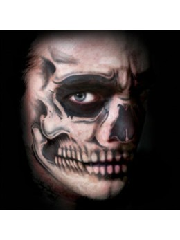 Tatouage facial tête de mort