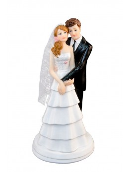Couple de mariés enlacés