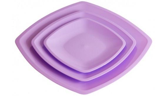 Assiettes plastiques décoration de table