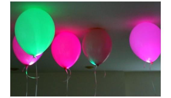 Ballons de déco fluo et Led